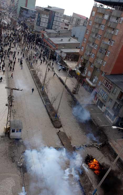 Yüksekova'da Newroz Gerginliği 14