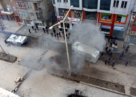 Yüksekova'da Newroz Gerginliği 16