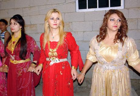 Yüksekova Düğünleri (08 Temmuz 2012) 175