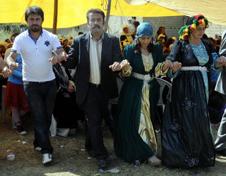 Yüksekova Düğünleri (08 Temmuz 2012) 185