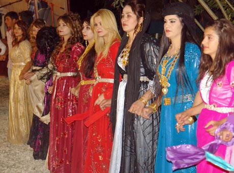 Yüksekova Düğünleri (08 Temmuz 2012) 199