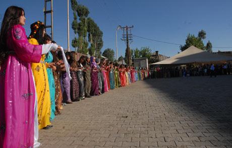 Yüksekova Düğünleri (08 Temmuz 2012) 214
