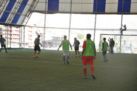 Hakkari turnuvasında final maçı oynandı 13