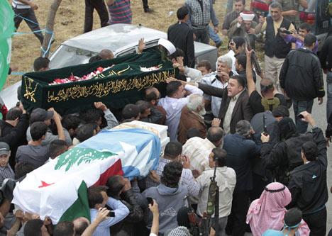 Hama'da ikinci katliam: 305 ölü 16