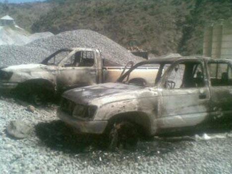 Baraj yapımında çalışan araçlar ateşe verildi 13