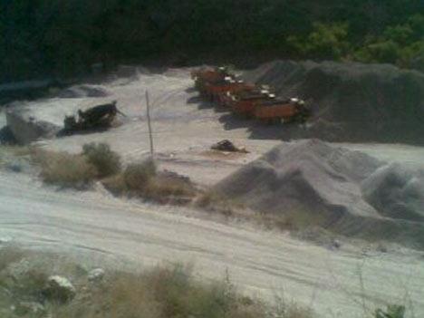 Baraj yapımında çalışan araçlar ateşe verildi 14