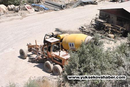 Baraj yapımında çalışan araçlar ateşe verildi 16