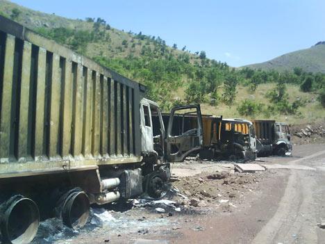 Baraj yapımında çalışan araçlar ateşe verildi 2