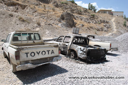 Baraj yapımında çalışan araçlar ateşe verildi 20