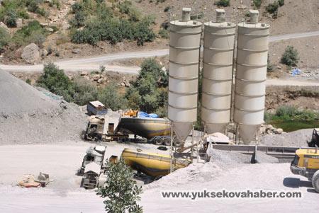 Baraj yapımında çalışan araçlar ateşe verildi 35