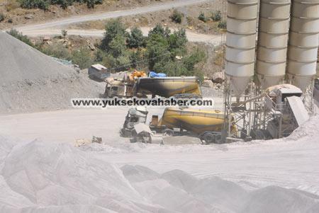 Baraj yapımında çalışan araçlar ateşe verildi 40
