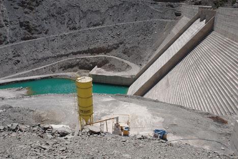 Baraj yapımında çalışan araçlar ateşe verildi 8