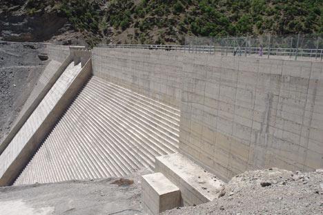Baraj yapımında çalışan araçlar ateşe verildi 9