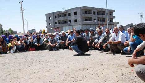 Diyarbakır'da polis ablukası 13