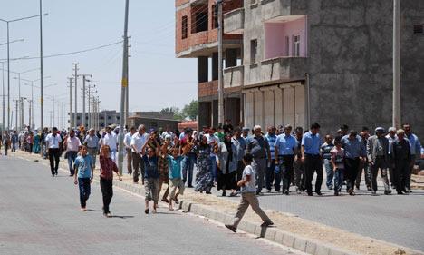 Diyarbakır'da polis ablukası 17