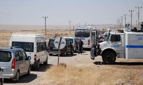 Diyarbakır'da polis ablukası 18