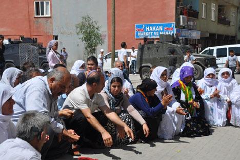 Diyarbakır'da polis ablukası 22
