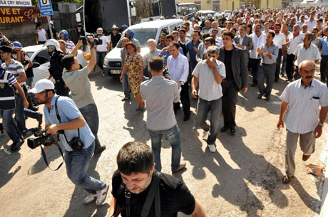 Diyarbakır'da BDP'li vekillere müdahale 1