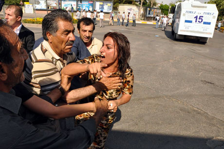 Diyarbakır'da BDP'li vekillere müdahale 11