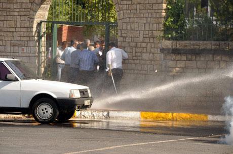 Diyarbakır'da BDP'li vekillere müdahale 12