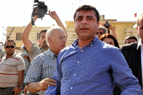 Diyarbakır'da BDP'li vekillere müdahale 2