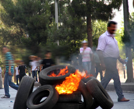 Diyarbakır'da BDP'li vekillere müdahale 33