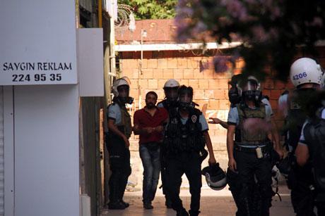 Diyarbakır'da BDP'li vekillere müdahale 53