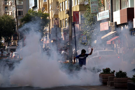 Diyarbakır'da BDP'li vekillere müdahale 58