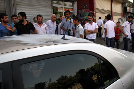 Diyarbakır'da BDP'li vekillere müdahale 64