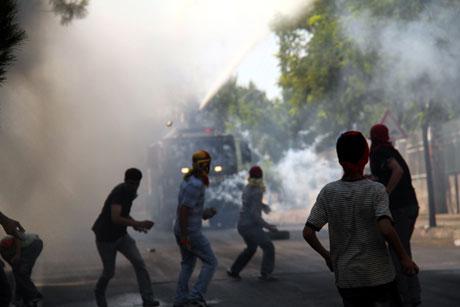 Diyarbakır'da BDP'li vekillere müdahale 67