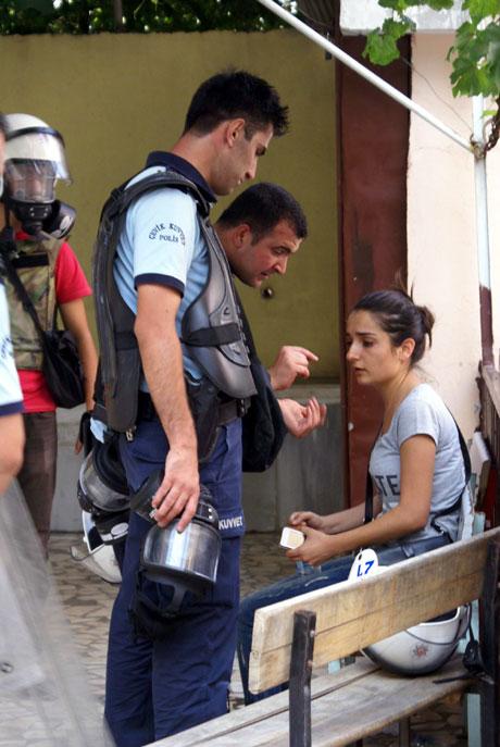 Diyarbakır'da BDP'li vekillere müdahale 86