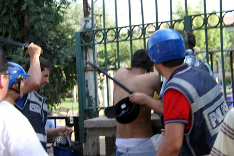Diyarbakır'da BDP'li vekillere müdahale 89
