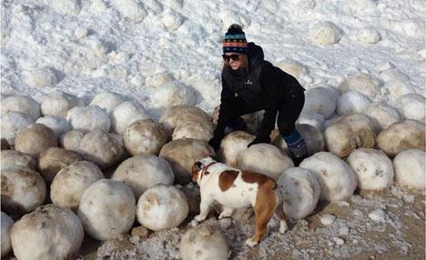 Dev buz topları kıyıya vurdu! 1
