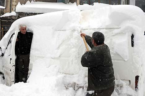 Yüksekova'da kar yağışı 11