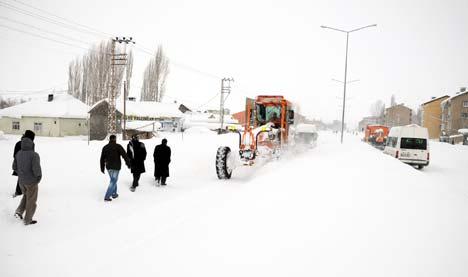 Yüksekova'da kar yağışı 7