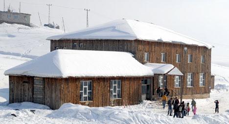 Yüksekova'da kayak keyfi 16