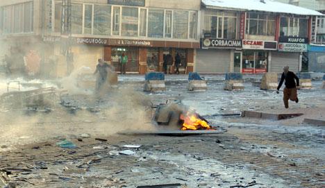 Yüksekova'da olaylar durulmuyor 1