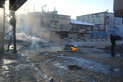 Yüksekova'da olaylar durulmuyor 11