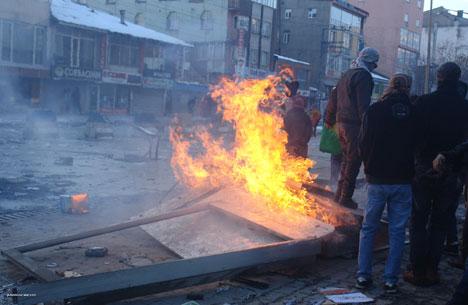 Yüksekova'da olaylar durulmuyor 14