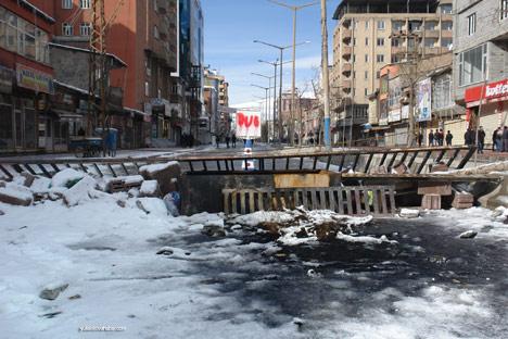 Yüksekova'da olaylar durulmuyor 23