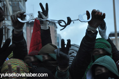 Yüksekova'da olaylar durulmuyor 32