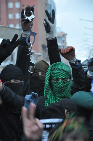 Yüksekova'da olaylar durulmuyor 34