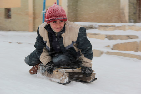 Hakkari'de kar yağışı hayatı olumsuz etkiliyor 16