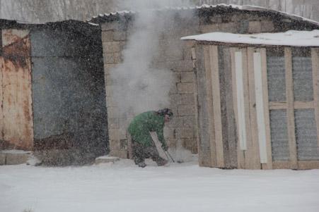 Hakkari'de kar yağışı hayatı olumsuz etkiliyor 19