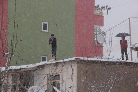 Hakkari'de kar yağışı hayatı olumsuz etkiliyor 20