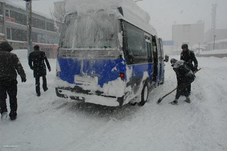 Kar yağışı Yüksekova'yı esir aldı 4