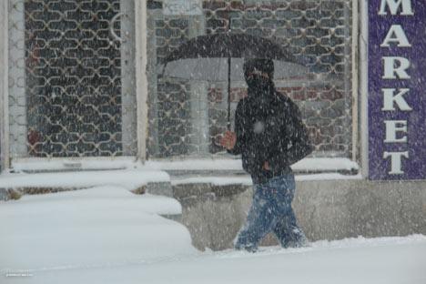 Kar yağışı Yüksekova'yı esir aldı 7