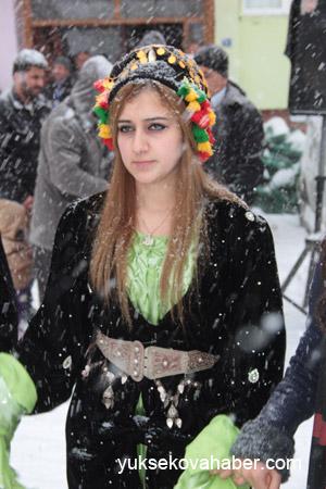 Hakkari'de Kar altında düğün 20