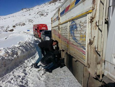 Şemdinli'de yüzlerce yurttaş mahsur kaldı 11