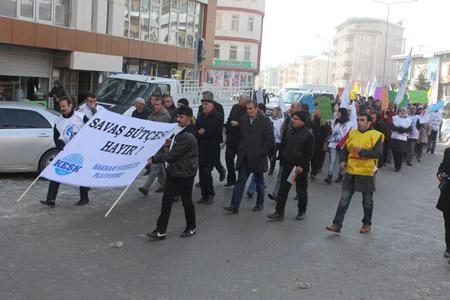 KESK Hakkari'de bütçe talepleri için grevde 14